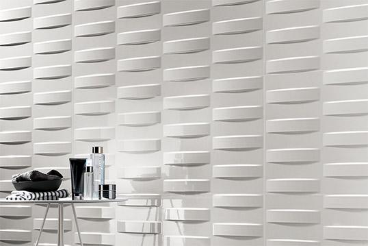 Белая рельефная плитка с геометрическим узором