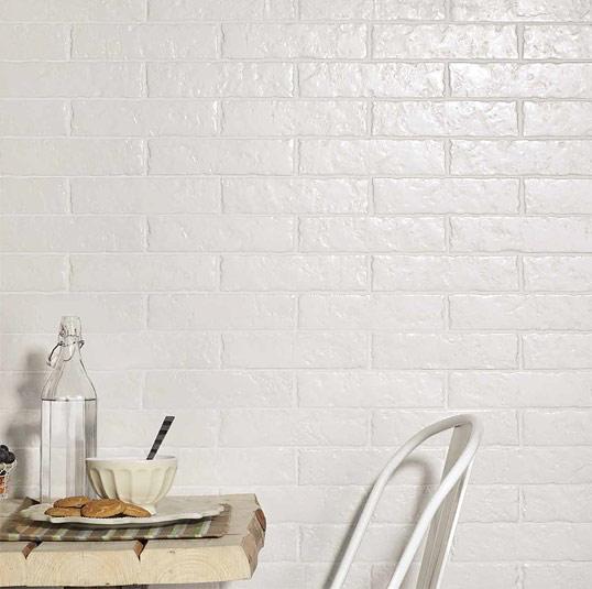 Белая плитка под кирпич