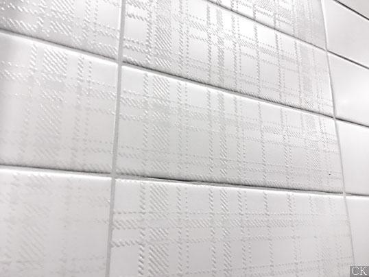 Белая плитка кабанчик в клетку, новинка 2017