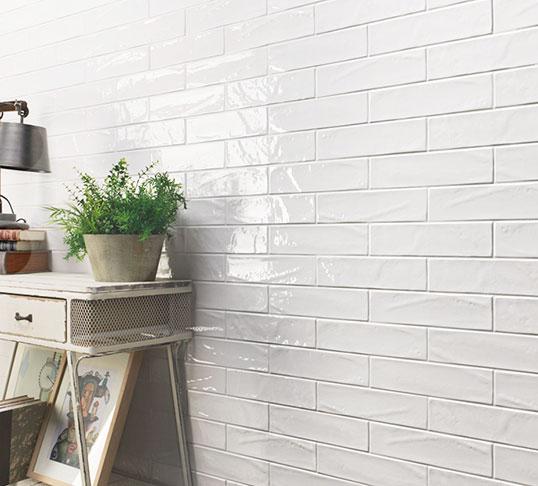 Белая плитка кабанчик с неровной фактурой, для ванной и кухни