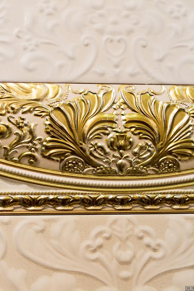 Магазни плитки на Нахимовском. Золотые декоры