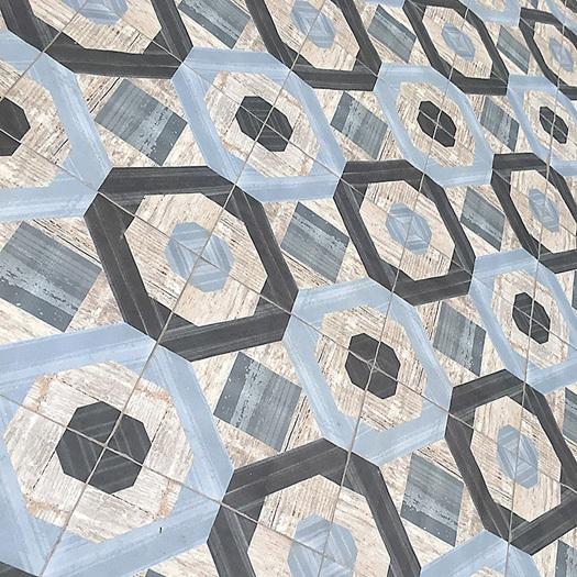 Плитка под дерево небольшого формата с геометрическим рисунком