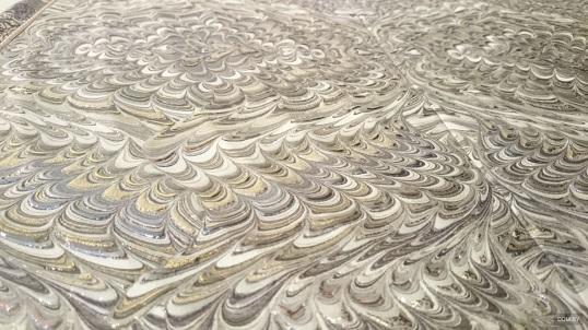 Дизайнерская плитка с металлическими переливами
