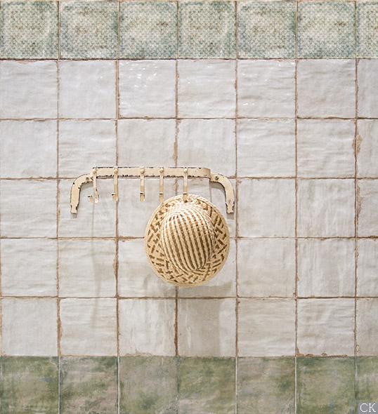 Состаренная плитка для кухни в стиле прованс