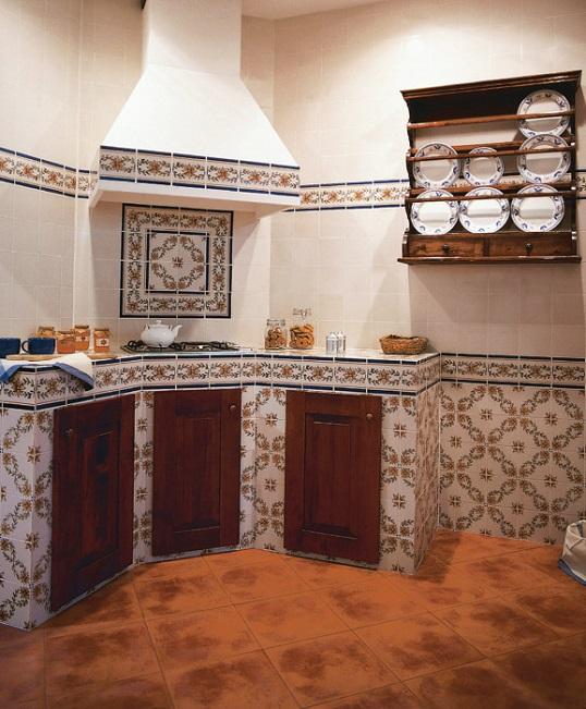 Белая плитка с узором азулежу для ванной и кухни