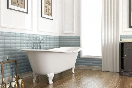 Голубая плитка для ванной с эффектом кракелюр