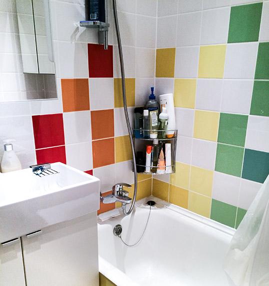 Однотонная красная плитка для ванной, 15х15 см
