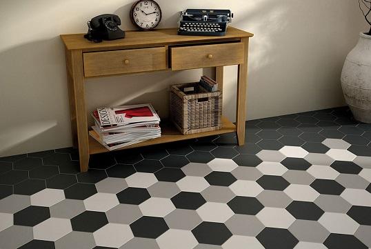 Черно-белая шестиугольная плитка для пола