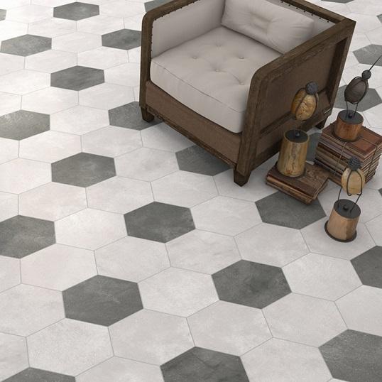 Белая напольная плитка с поверхностью цемента