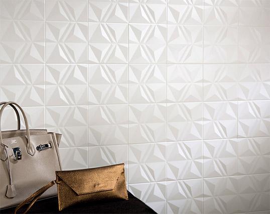 Белая рельефная плитка 20х20 см