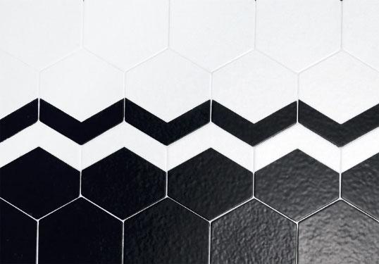 Белая плитка для пола в форме шестиугольников с эффектом 3D