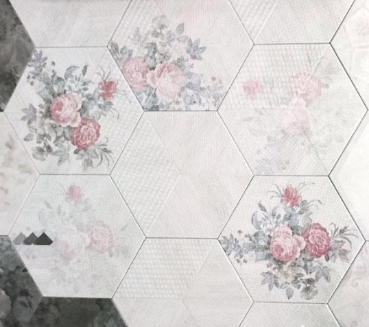 Шестиугольная плитка белого цвета с ретро-орнаментами