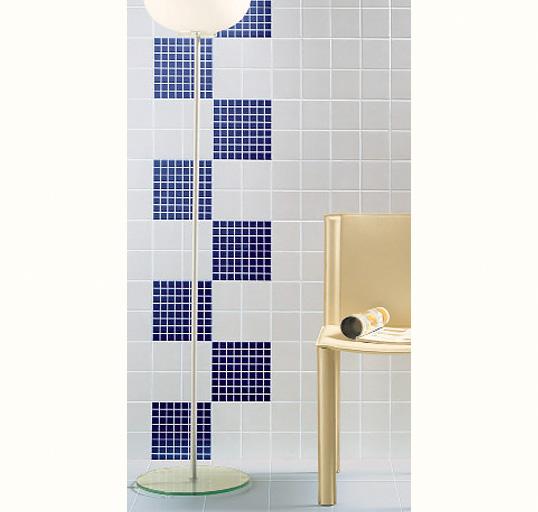 Белая плитка 10х10 см для ванной в скандинавском стиле