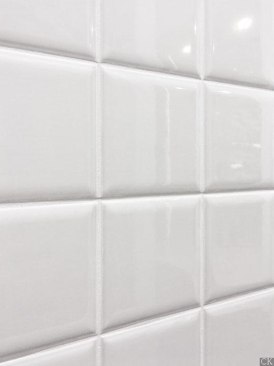 Настенная белая плитка 10х10 см, глянцевая