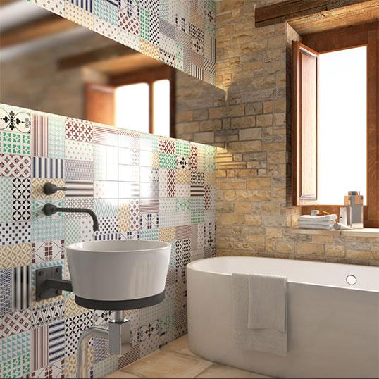 Белая плитка с яркими орнаментами, для ванной и кухни