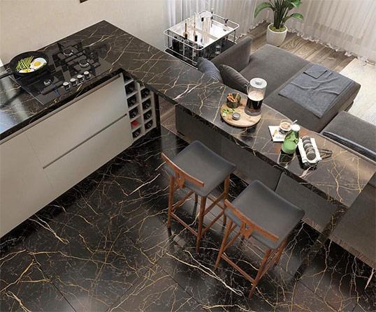 Темный керамогранит для отделки столешниц и фартуков кухни