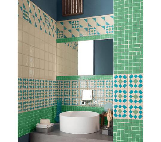 Зеленая плитка для ванной комнаты, в стиле кантри