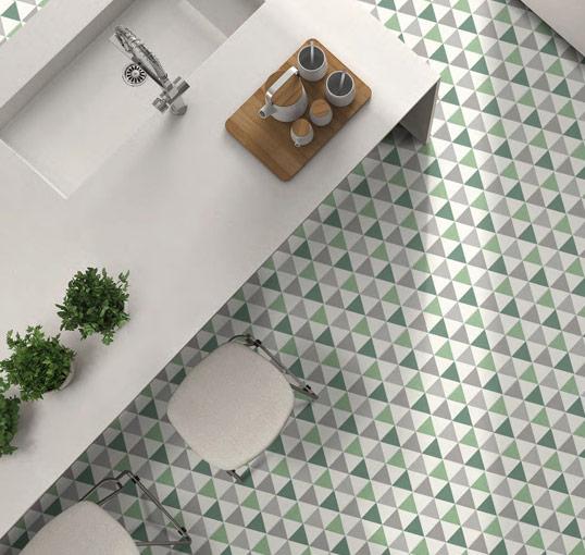 Зеленая плитка в форме шестиугольника, на пол и стены