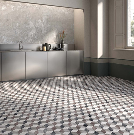 Плитка на стыке камня и цемента, на фартук и пол кухни