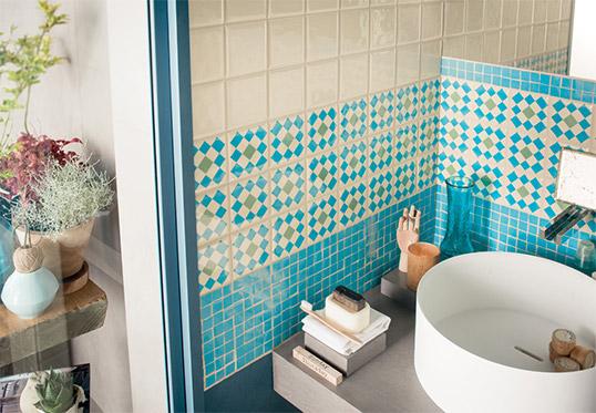 Плитка для ванной цвета морской волны