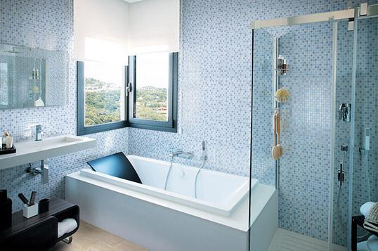 Голубая плитка для ванной под мозаику, распродажа!