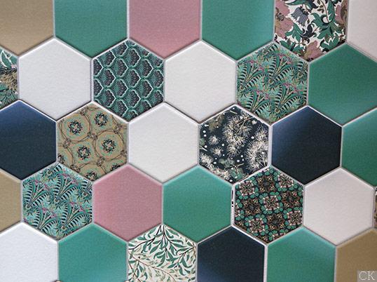 Разноцветная плитка шестиугольник с узором пэчворк