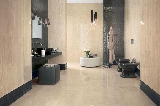 Золотистый керамогранит для ванной с имитацией мрамора