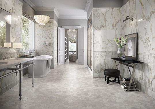 Роскошная имитация каррарского мрамора для классической ванной