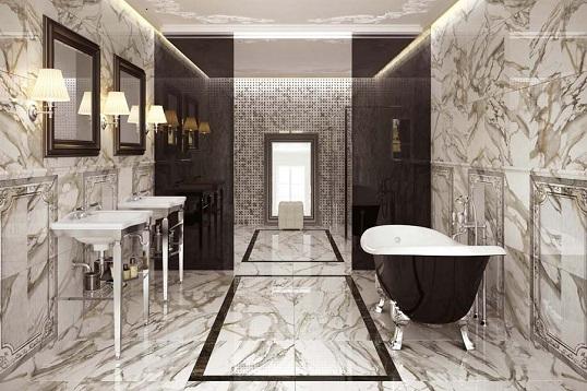 Классический дизайн ванной комнаты в плитке под мрамор