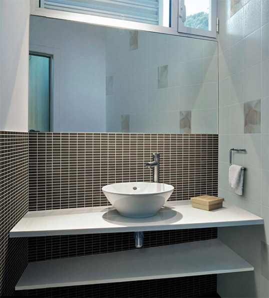 Плитка под мозаику для ванной в скандинавском стиле