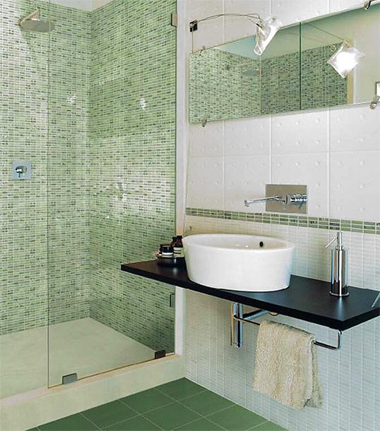 Зеленая плитка для ванной комнаты, под мозаику