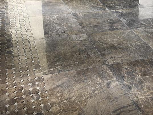 Напольная плитка под мрамор с мозаикой