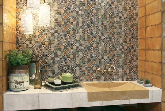 Популярная плитка для ванной в стиле пэчворк
