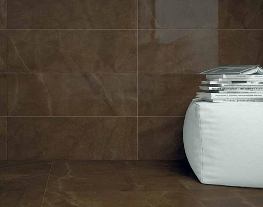 Коричневая плитка под мрамор для ванной