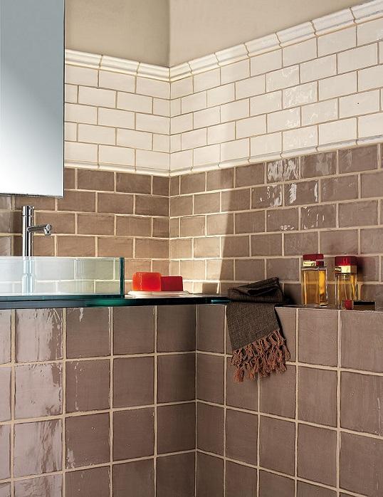 Светло-коричневая плитка кабанчик для ванной