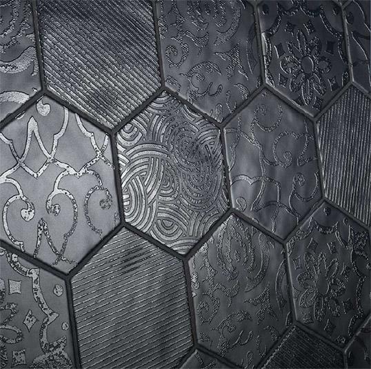 Шестиугольная плитка с рельефными узорами