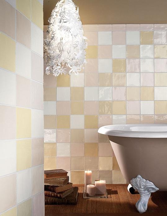 Нежная пастельная плитка 13х13 см в ванную комнату