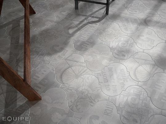 Плитка в форме арабески под цемент