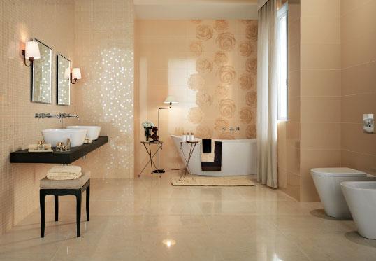 Бежевая плитка с розами, для ванной
