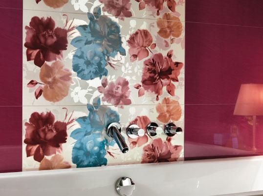 Керамическая плитка с цветами для ванной
