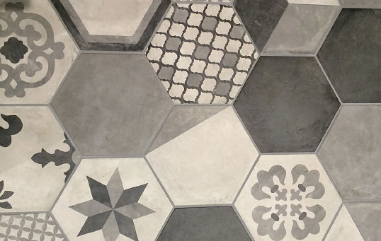 Шестиугольная плитка с рисунком в стиле пэчворк