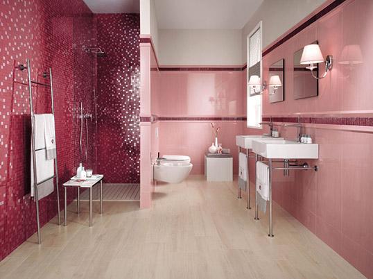 Розовая плитка для ванной большого размера