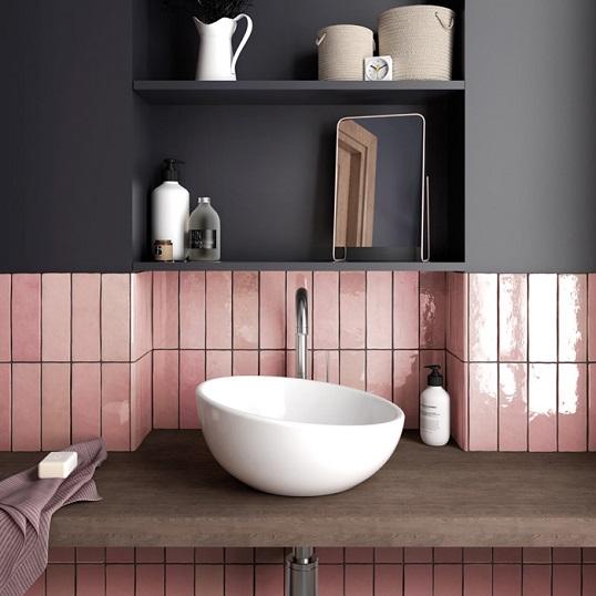 Розовая плитка для ванной под керамику ручного изготовления