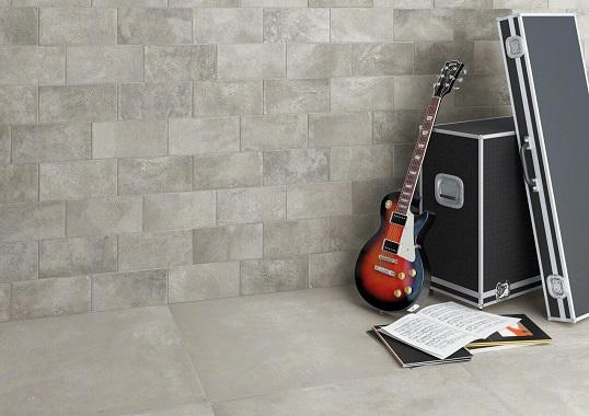 Серая плитка для ванной под цемент и бетон