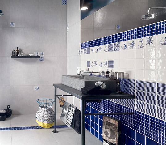Синяя керамическая плитка для ванной в морском стиле