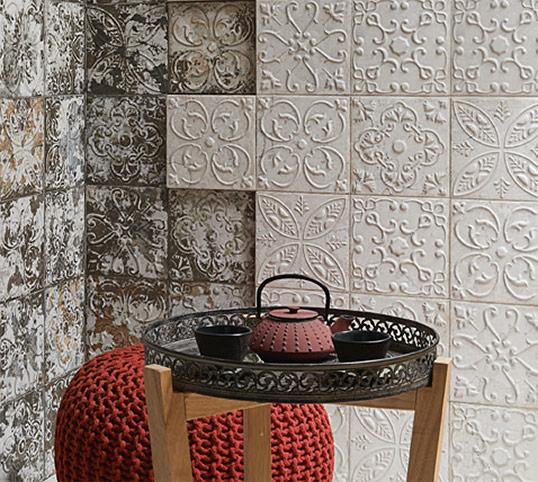 Восточная плитка с резными орнаментами, Испания