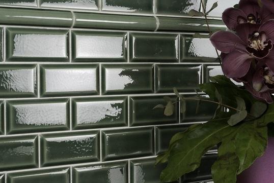 Изумрудная плитка кабанчик для стен